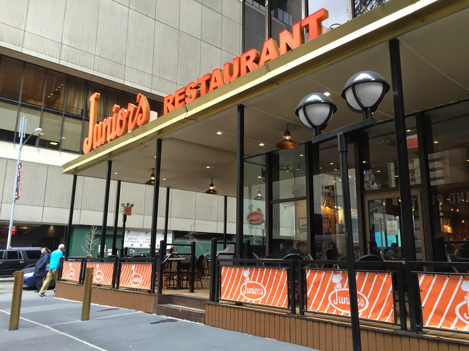 Juniors Cheesecake at Times Square – You can Call Me Mochelle