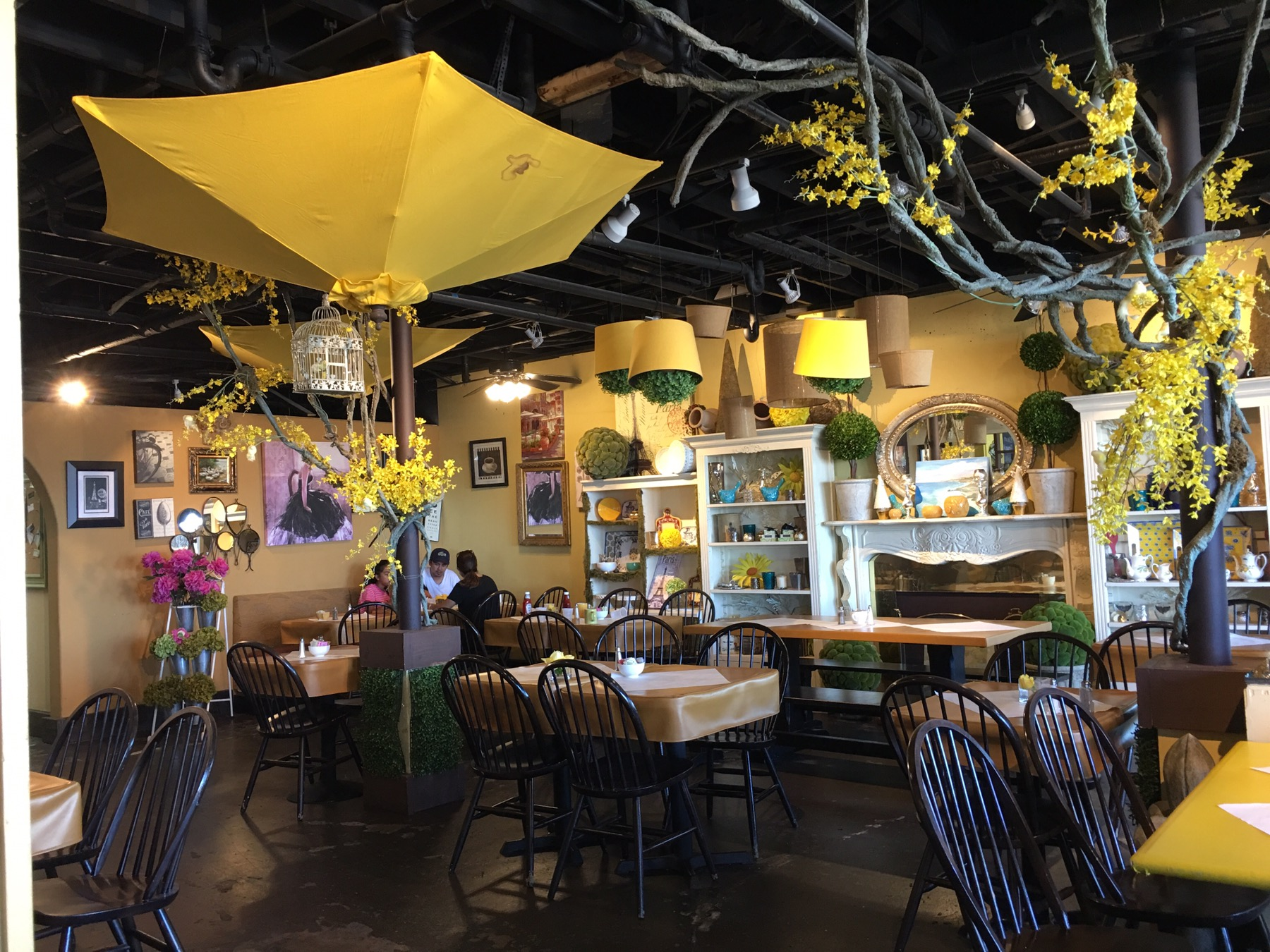 Palos verdes yellow vase you can call me mochelle the inside is yellow and cute plenty of seating inside and out if you like the ocean view dine al fresco you can even bring your dog reviewsmspy